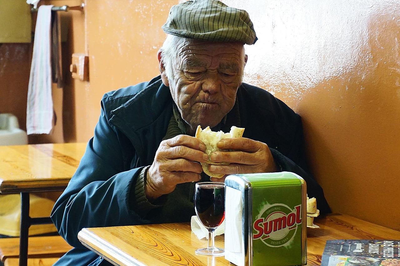 Zdrowa kuchnia dla seniorów – zasady żywienia