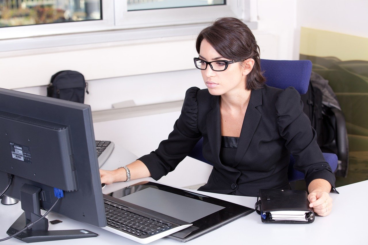 Biznesowy dresscode – jak zachować własny styl?