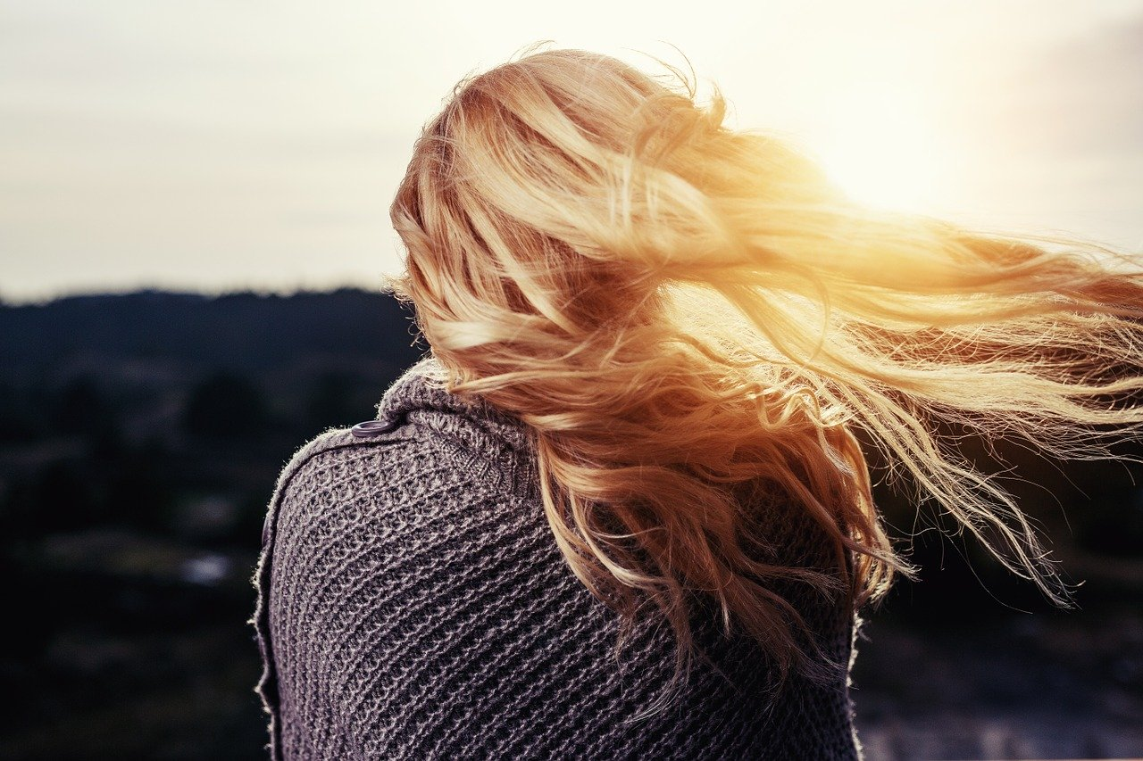 Porost włosów – jak go przyspieszyć